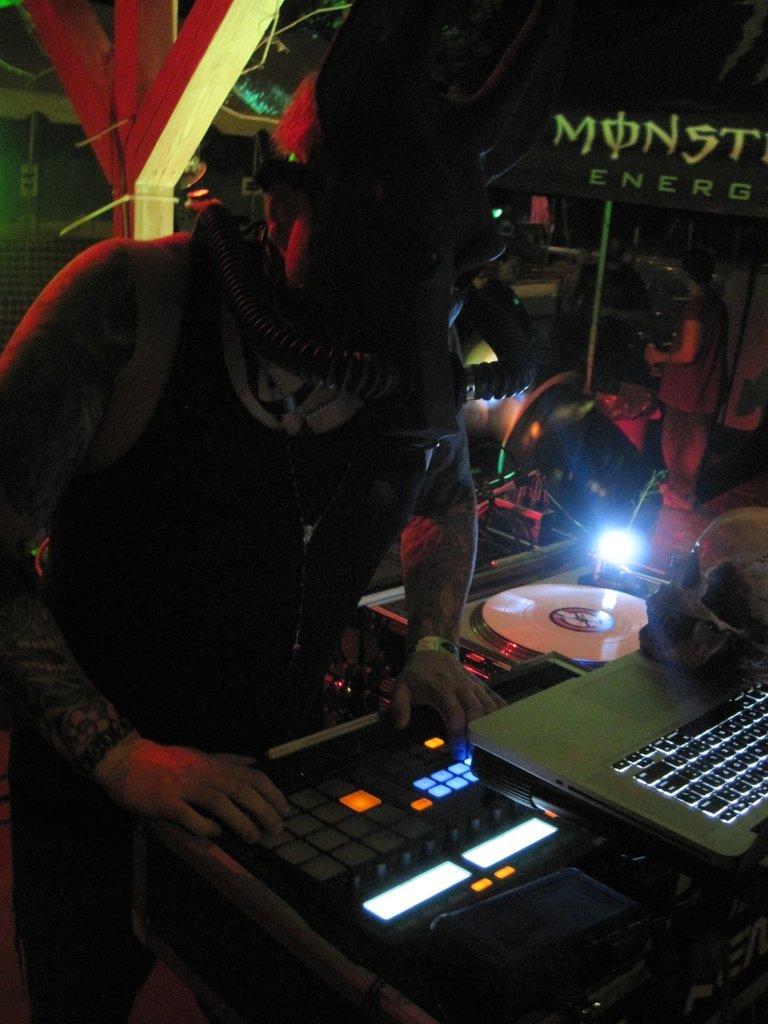 DJ Frenzy on the Decks